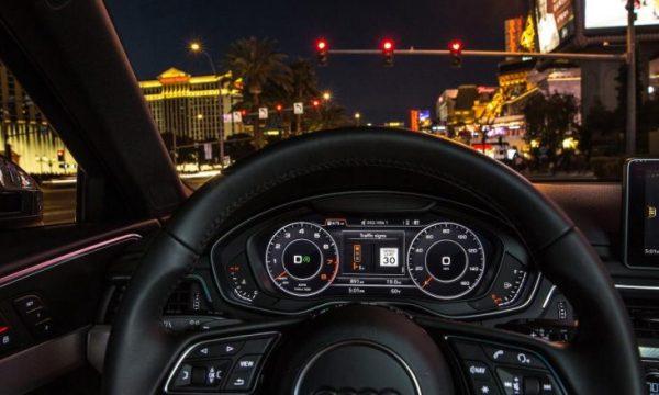 Audi lidh veturat me semaforët për të arritur gjithnjë dritën e gjelbër