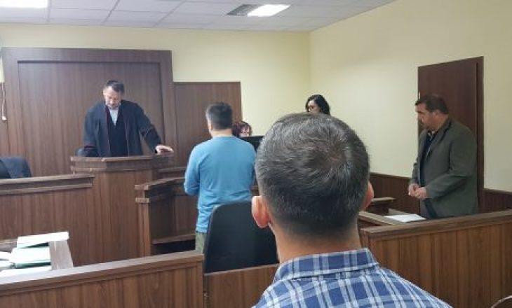 Dënohet shqiptari i cili punonte 10 vite si polic me dokumentet e vëllait binjak
