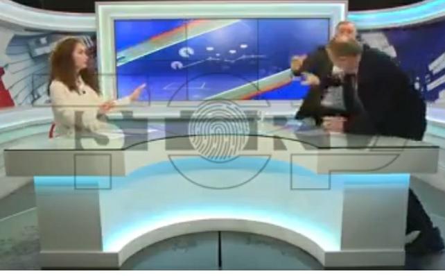 Grushta në mes të emisionit në njërin nga televizionet shqiptare! (VIDEO)