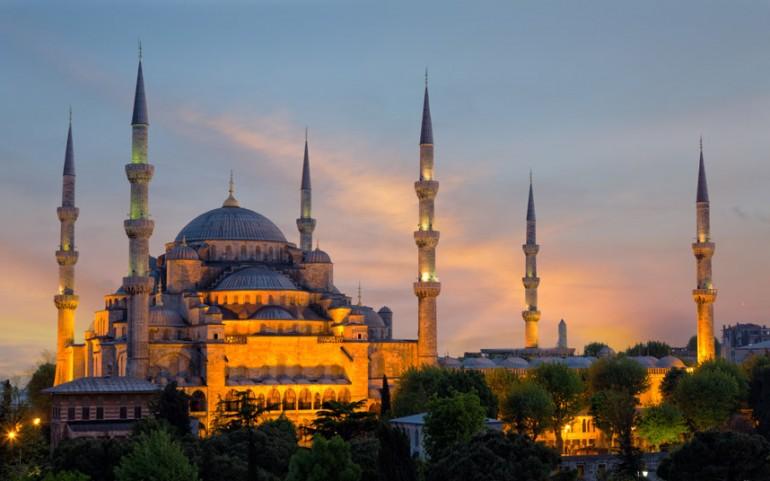 Edhe xhamitë të financohen si kishat