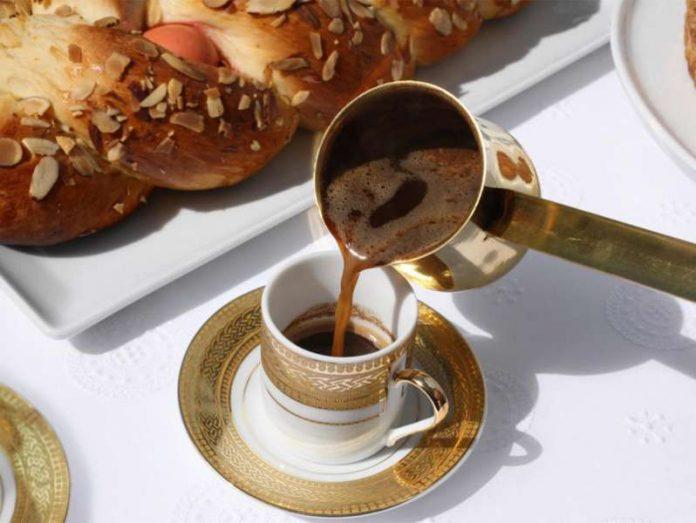 Kafeja nuk e dëmton zemrën nëse nuk pini më shumë se 6 në ditë