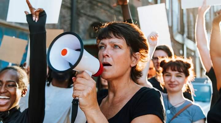 Gratë në Zvicër sot protestuan për më shumë të drejta