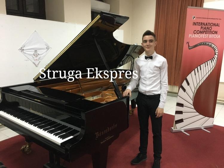 Muhamed Iljazi, është pianisti nga Frëngova e Strugës që shkëlqeu në Prishtinë dhe Manastir (FOTO)