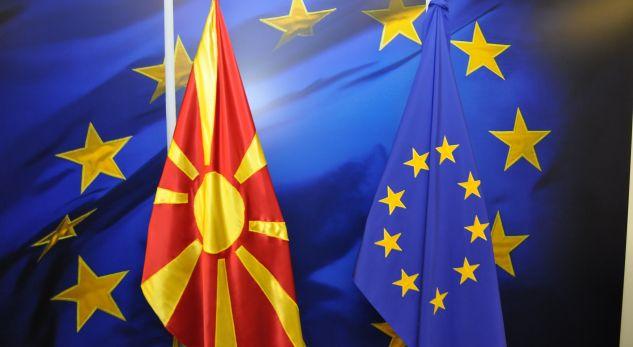 Agjencia e lajmeve Reuters: Maqedonia e Veriut drejt hapjes së negociatave, Shqipëria jo
