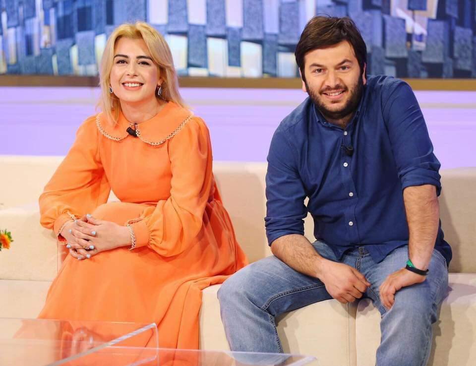 Çifti Olsa dhe Xheladin Poshka prezanton Strugën në Tv Klan te Rudina Magjistari (FOTO-VIDEO)