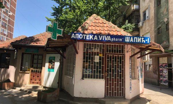 Qytetarja serbe në Veri të Mitrovicës: Vuçiq është peder, po i mbyllë dyqanet (VIDEO)