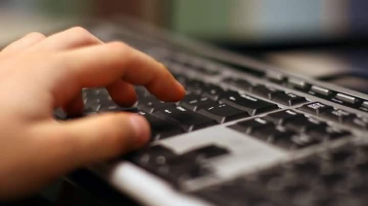 19 vjeçari hidhet nga kati i pestë pasi nëna ja ndalon kompjuterin