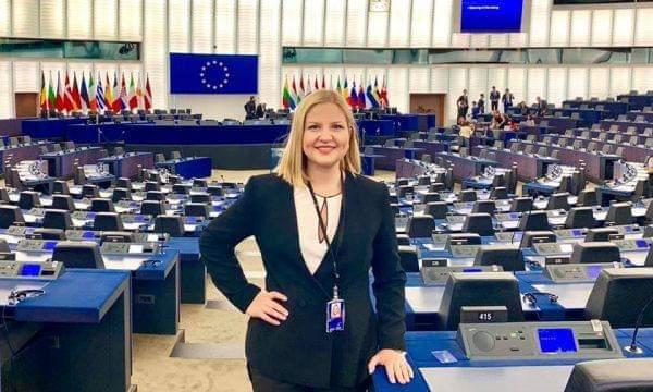 HISTORIKE/ Fillon punën eurodeputetja e parë shqiptare