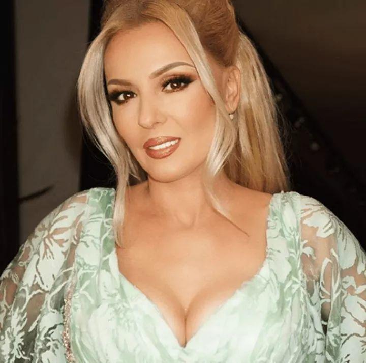 Këngëtarja shqiptare Violeta Kukaj ndahet nga bashkëshorti
