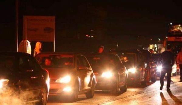 Mërgimtarët vazhdojnë të përballen me kolona të gjata në pikat kufitare me Serbinë