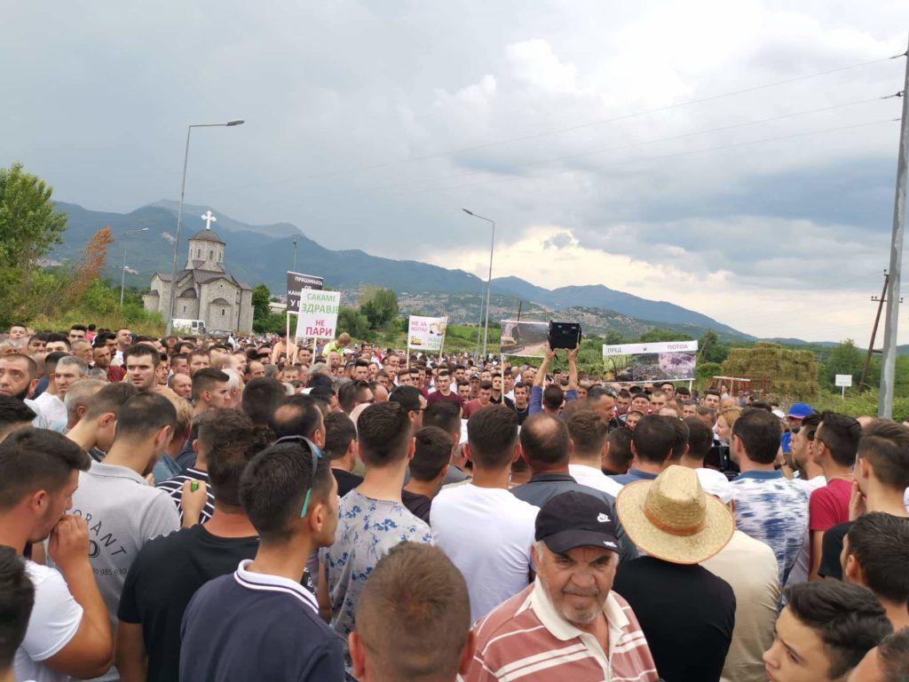 Komuna e Strugës:Ramiz Merko mbështet kërkesat e banorëve të Llabunishtit