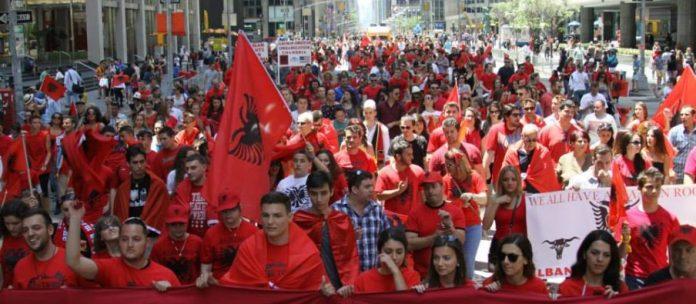 Të gjithë shqiptarët kudo që janë do të marrin pasaportën e Shqipërisë