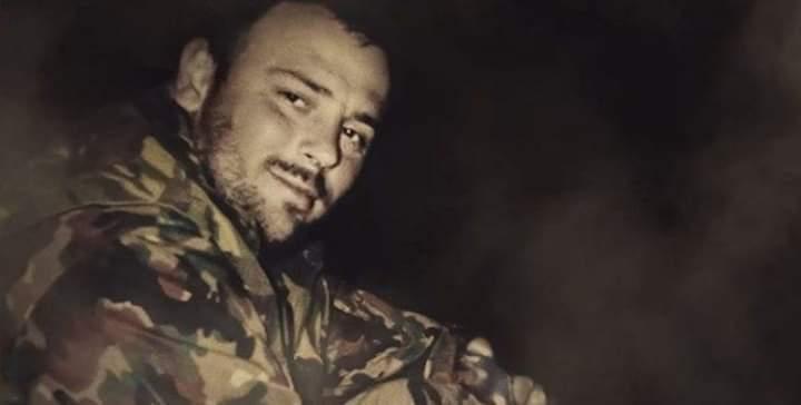Tomor Morina, ish ushtari i UÇK-së del nga paraburgimi dhe hyn në Kosovë (VIDEO)