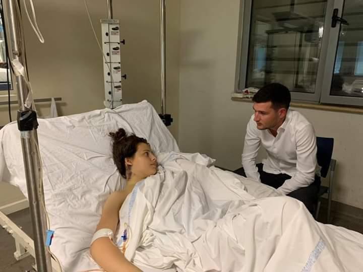 URGJENTE/ Elona 14 vjeçare po lufton me vdekjen, i nevojiten 45 mijë euro për shërim
