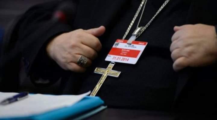 Skandal në Zvicër/ Prifti abuzoi për nëntë vite me një djalë