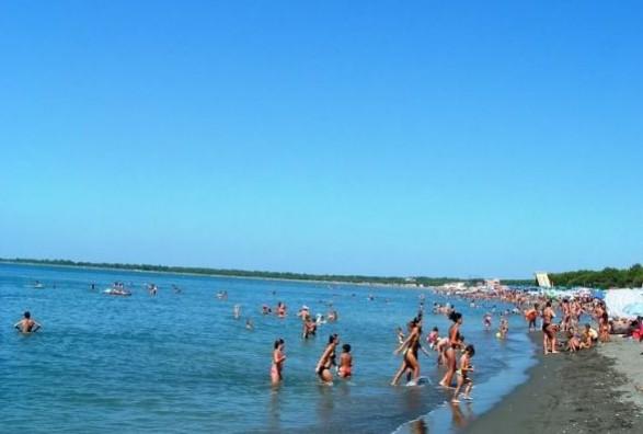 Mbytet një person në plazhin e Velipojës