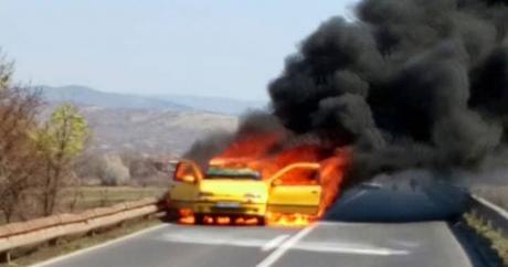 Serbit i shkrumbohet makina në Maqedoninë e Veriut