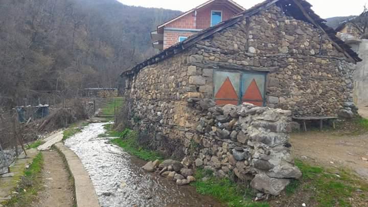 """""""Mulliri i axho Azemit"""", një nga simbolet e Ladorishtit të Strugës! (FOTO)"""