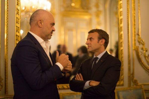 Presidenti francez i kërkon falje Ramës për incidentin me himnin në ndeshjen Francë-Shqipëri
