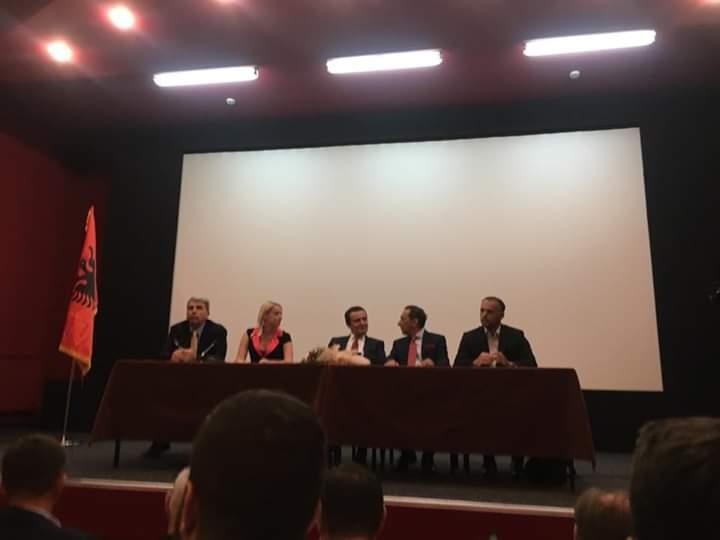 Albin Kurti nga Shkupi: Ballkani nuk mund të ketë qetësi pa u trajtuar drejtësisht shqiptarët kudo që jetojnë