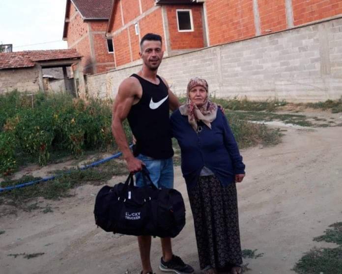 E dhimbshme/ I riu shqiptar lëshon vendlindjen: Më fal nënë që po iki, por këtu nuk kam rrugdalje