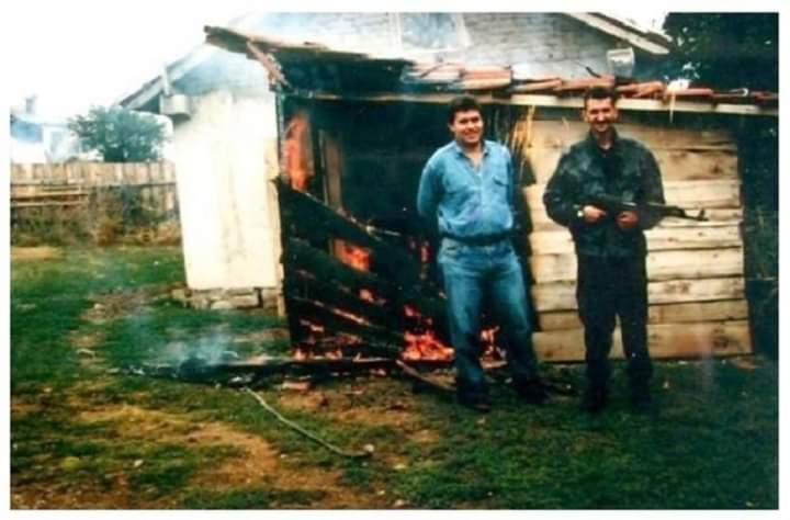 Këta janë dy kriminelët serbë që masakruan familjen shqiptare (FOTO)
