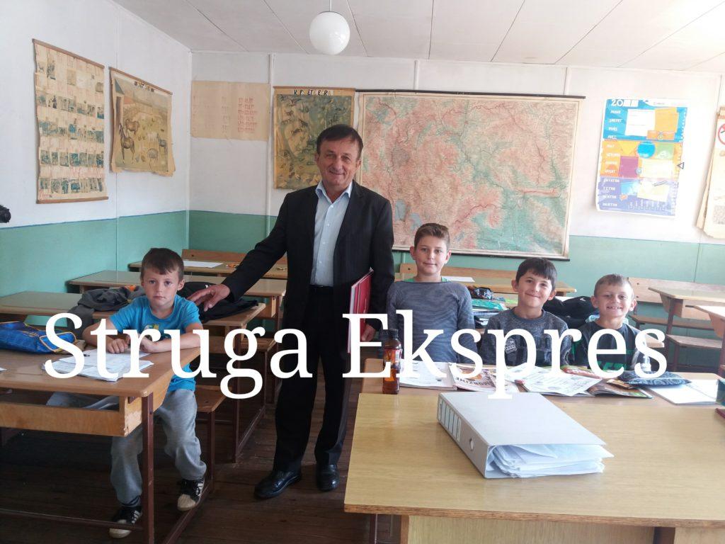 Po ikin nga Bogovica, por dritën e dijes akoma e mban ndezur Zimer Limani, mësuesi simbol i fshatit (FOTO-VIDEO)
