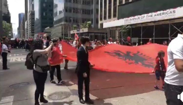Nju Jorku sot bëhet kuq e zi, shqiptarët protestojnë ndaj krimeve serbe