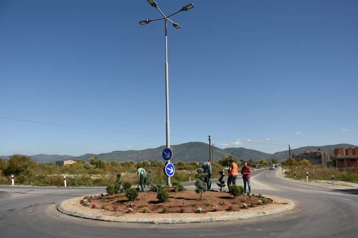 Komuna e Strugës: Rrethrrotullimi tek Euro Hoteli me pamje të re (FOTO)
