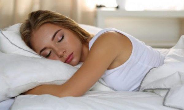 Gjumi i tepërt mund të shkaktojë humbje të kujtesës