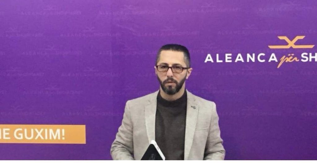"""Ish zyrtari i ASH-së, Elmir Sejfullai: Koalicioni mes Alternativës dhe Aleancës një """"erë e re"""" në politikën shqiptare në Maqedoni"""