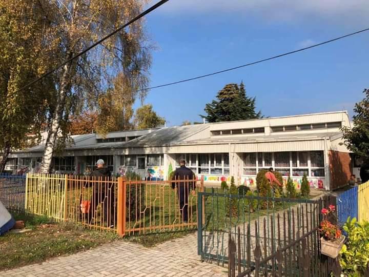 """Komuna e Strugës: Në Çerdhen """"8-të Marsi"""" në Strugë po kryhet rekonstruimi i brendshëm dhe jashtëm! (FOTO)"""