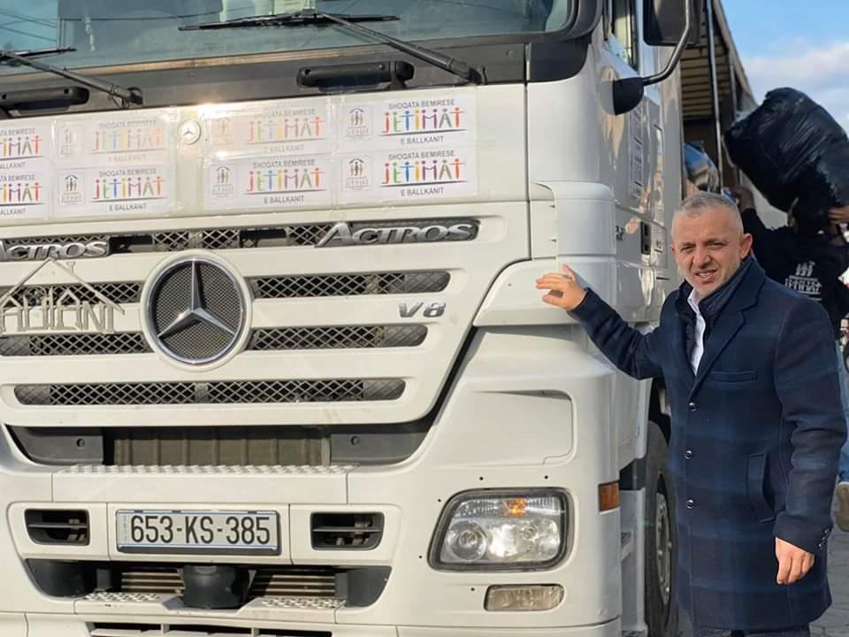 Halil Kastrati niset drejt Shqipërisë me 30 tonë ndihma (FOTO)