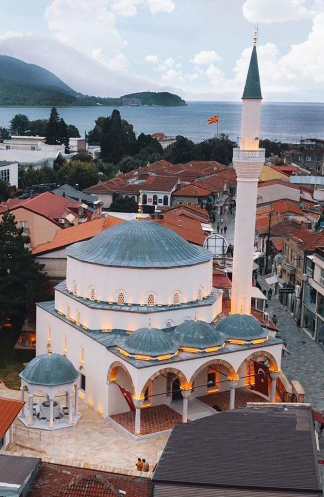 Madhështore/ Nesër më 28 Nëntor, pas një shekulli i kthehet minarja Xhamisë së Ali Pashës në Ohër (FOTO)