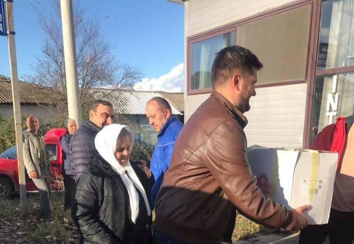 Misllodezhda ndihmon vëllezërit shqiptar të prekur nga tërmeti (FOTO)