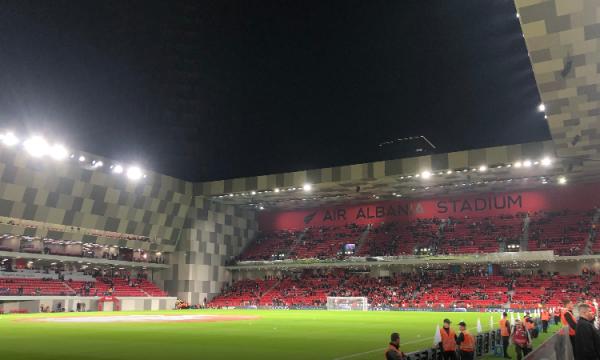 """Derbi i """"solidaritetit"""" për të prekurit nga tërmeti luhet në """"Air Albania Stadium"""""""