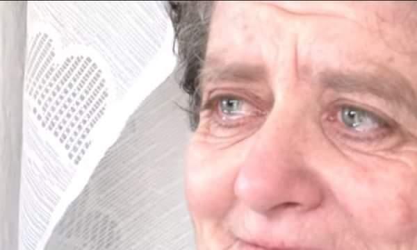 Fati tragjik i gruas shqiptare, humbi bashkëshortin dhe djalin, ndërsa tërmeti e la pa shtëpi