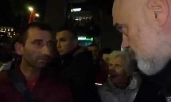 U përqesh pse kërkonte gruan! Historia e trishtë e Kastriotit, iu mbyt vëllai e nipi 3 muaj më parë (VIDEO)