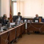 """Gjuha shqipe """"pengesë"""" në Këshillin Gjyqësor, shqiptarët distancohen nga kreu i këtij institucioni"""