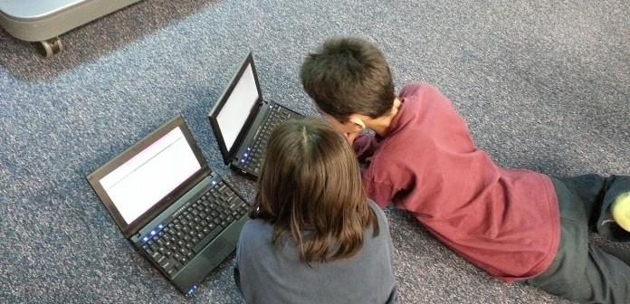 Interneti, si t'i mbrojmë fëmijët nga rreziqet