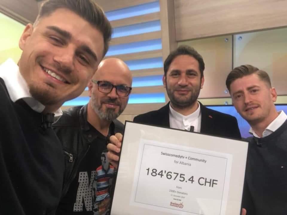 Ladorishtari Krenar Ajrullai dhe Demokrat Hoti i'a dorëzon Elvis Naçit 184 mijë franga për të prekurit nga tërmeti (FOTO LAJM)