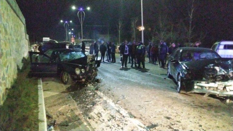 Aksident i frikshëm në hyrje të Pogradecit: 3 persona janë në gjendje të rëndë (FOTO)
