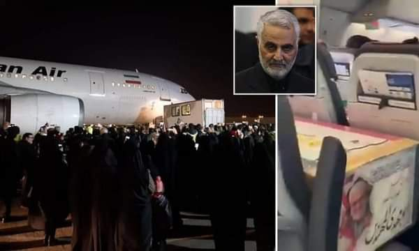Këtë nuk e keni parë: Kjo është mënyra se si u bart trupi i Qazim Sylejmanit në Iran (VIDEO)