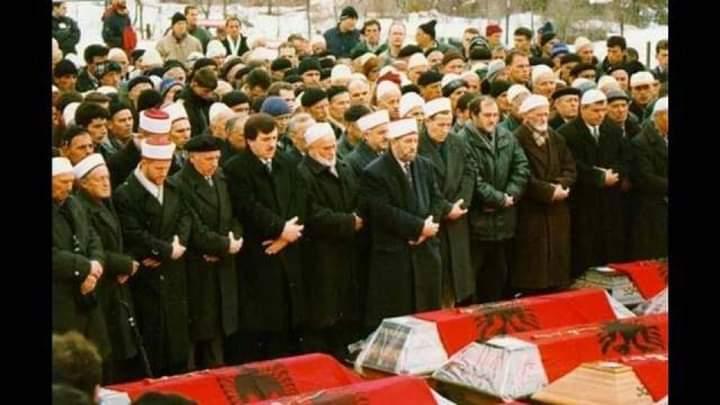 Hoxha që varrosi viktimat e Reçakut: Serbët më maltretuan e kërcënuan, donin t'i zhduknin gjurmët e masakrës