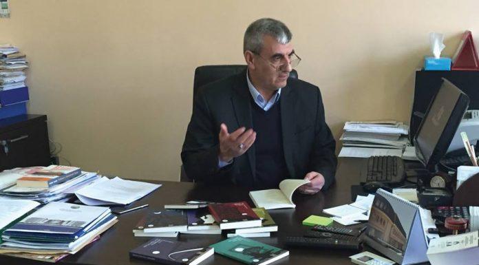 """Pronari i """"Logos-A"""", Adnan Ismaili i përgjigjet Menduh Thaçit"""