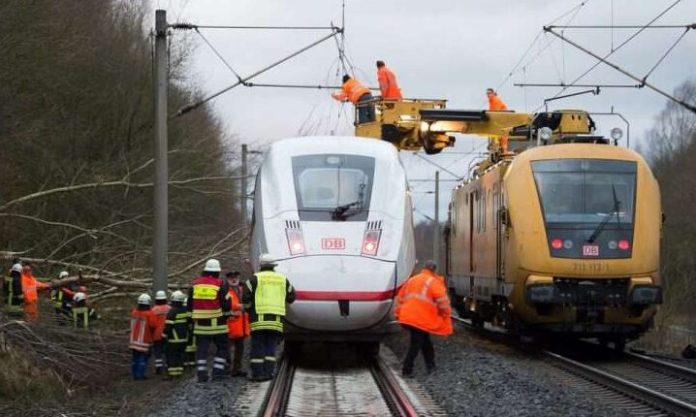 Gjermania ndalon trenat për shkak të stuhisë, Zvicra anulon shumë fluturime