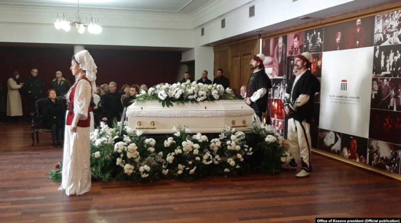 I jepet lamtumira e fundit këngëtares Nexhmije Pagarusha