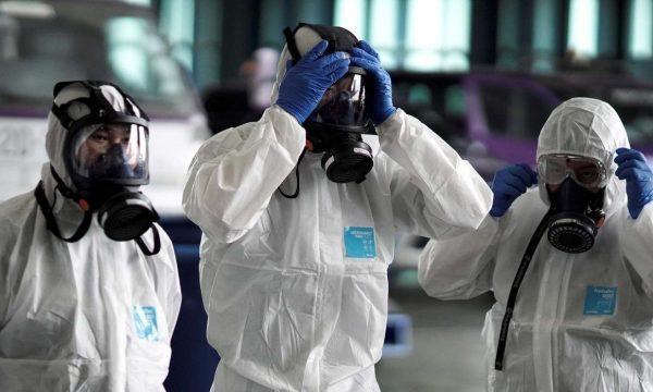 E tmerrshme/ Familjarët ikën nga spitali, pastaj i infektuan 11 anëtarë të familjes shqiptare