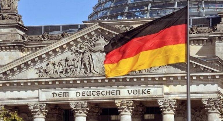 Gjermania ndan 750 miliardë euro për të ndihmuar ekonominë e vendit