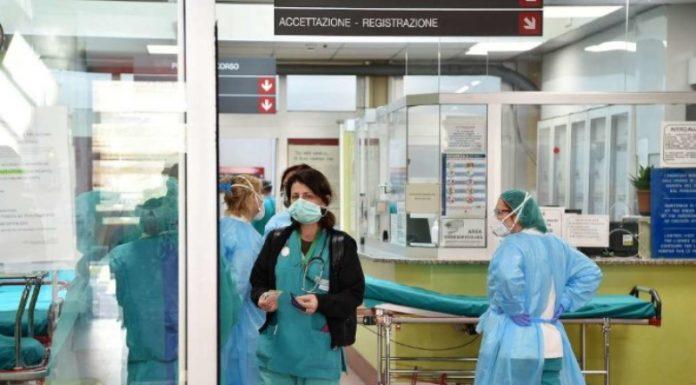 """""""Maska ime u mbush me lot"""", infermieria rrëfen bisedën me një pacient me Korona Virus"""